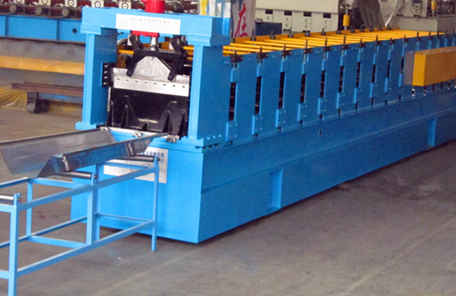 YX203-610 Roof K Span Roll Forming Machine For 0.8mm - 1.2mm Galvanized Steel